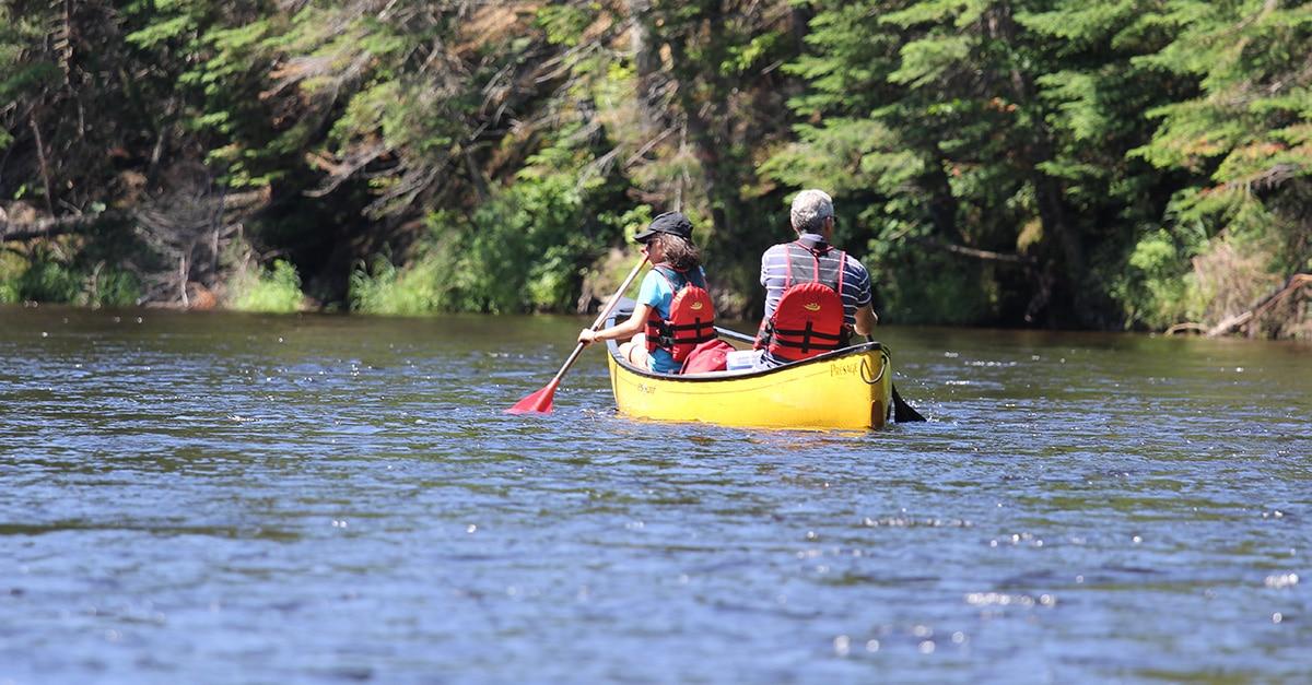 Voyage au fil de l'eau en canot au coeur du Québec